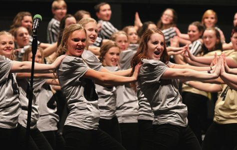 Saturday Night Lights: Show Choir Competes With Football Themed Show