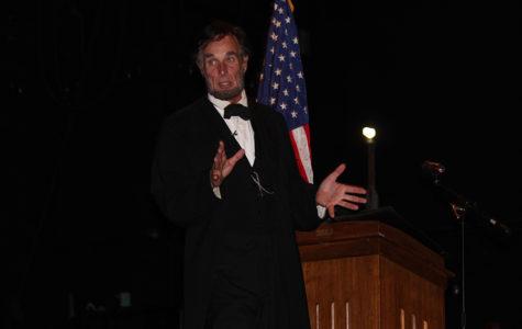 Lincoln portrayer Fritz Klein explaining part of president Lincoln's life.