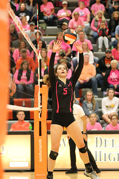 Setter+Macey+Kleitsch+sets+the+ball+to+her+hitters.+Kleitsch+dished+out+36+assists+against+Beckman.