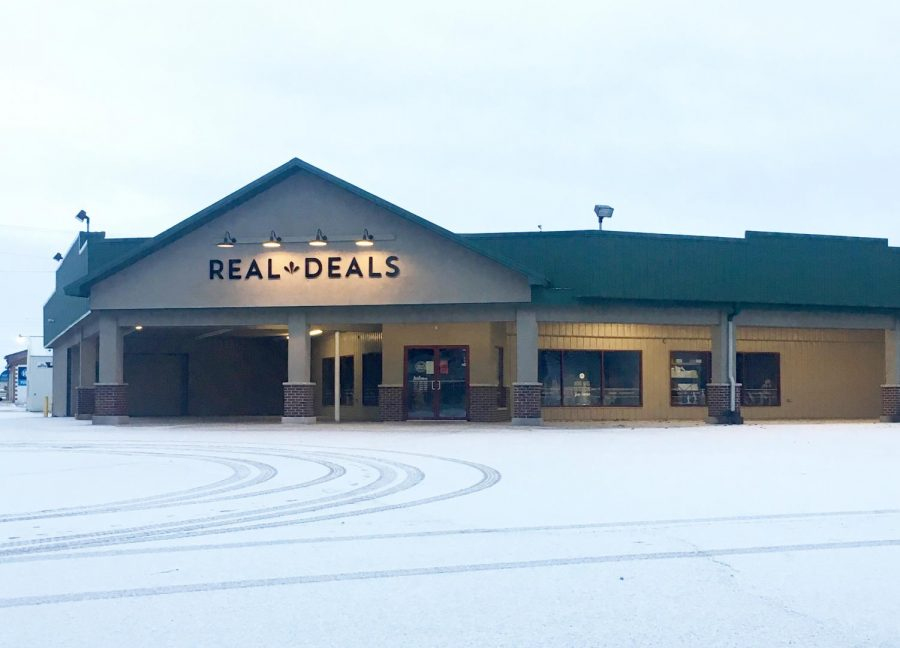 Real Deals is located at 935 E Main St, Manchester, IA.