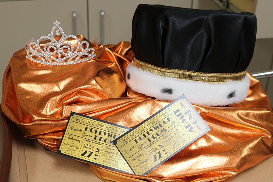 The+Prom+Committee+adds+Prom+royalty+to+Prom+2019.+The+king+and+queen+will+be+crowned+around+10%3A45+p.m.