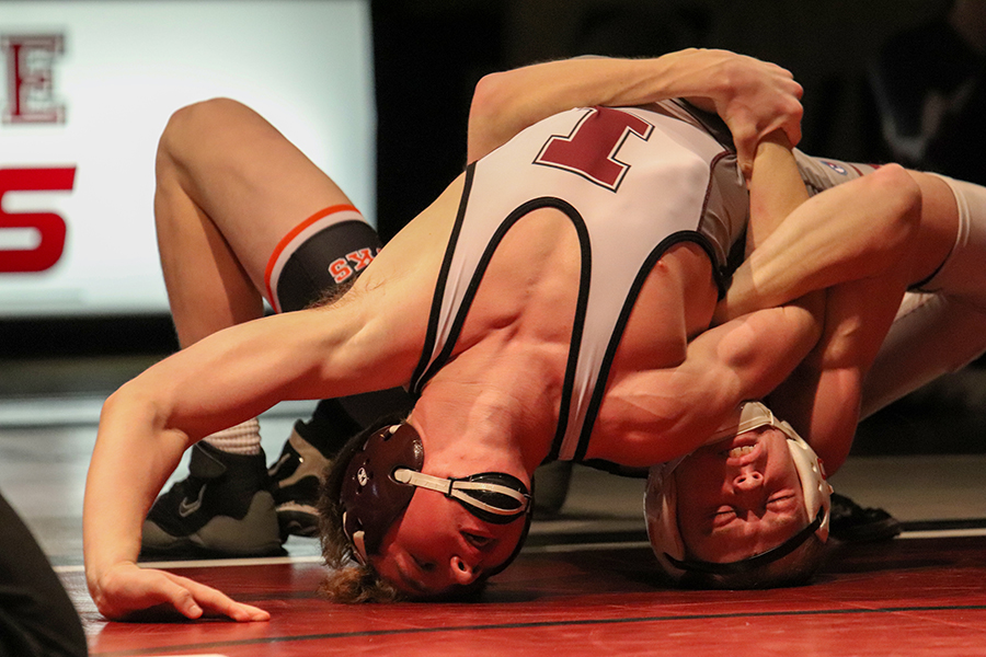 Logan+Peyton+attempts+to+pin+Independence+wrestler%2C+138-pounder+Tyler+Trumblee.+Peyton+pinned+Trumblee+in+2%3A32.