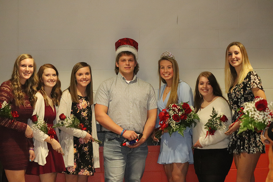 2021 Sweetheart candidates Kailee Kaiser, Macie Putz, Jenna Philipp, King Cody Monaghan, Queen Carlee Smith, Olivia Hilby and Erin Hellmann.